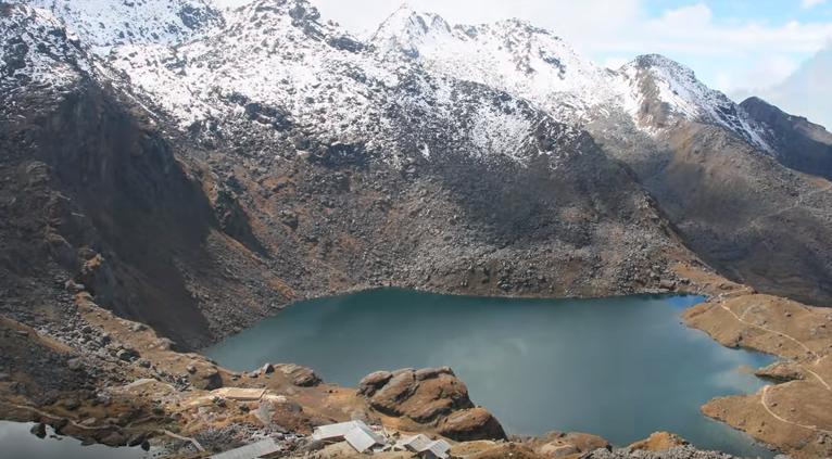 Langtang - Gosiankund Lake Trek