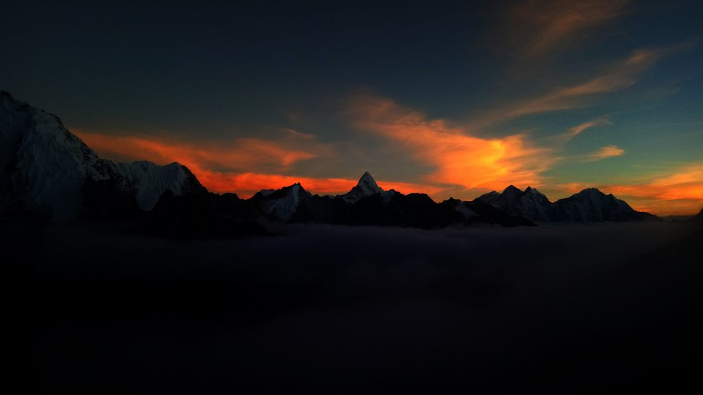 Ama-Dablam-base-camp-with-EBC-trek